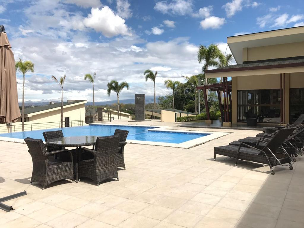 Alquiler de Casa en Condominio Altavista