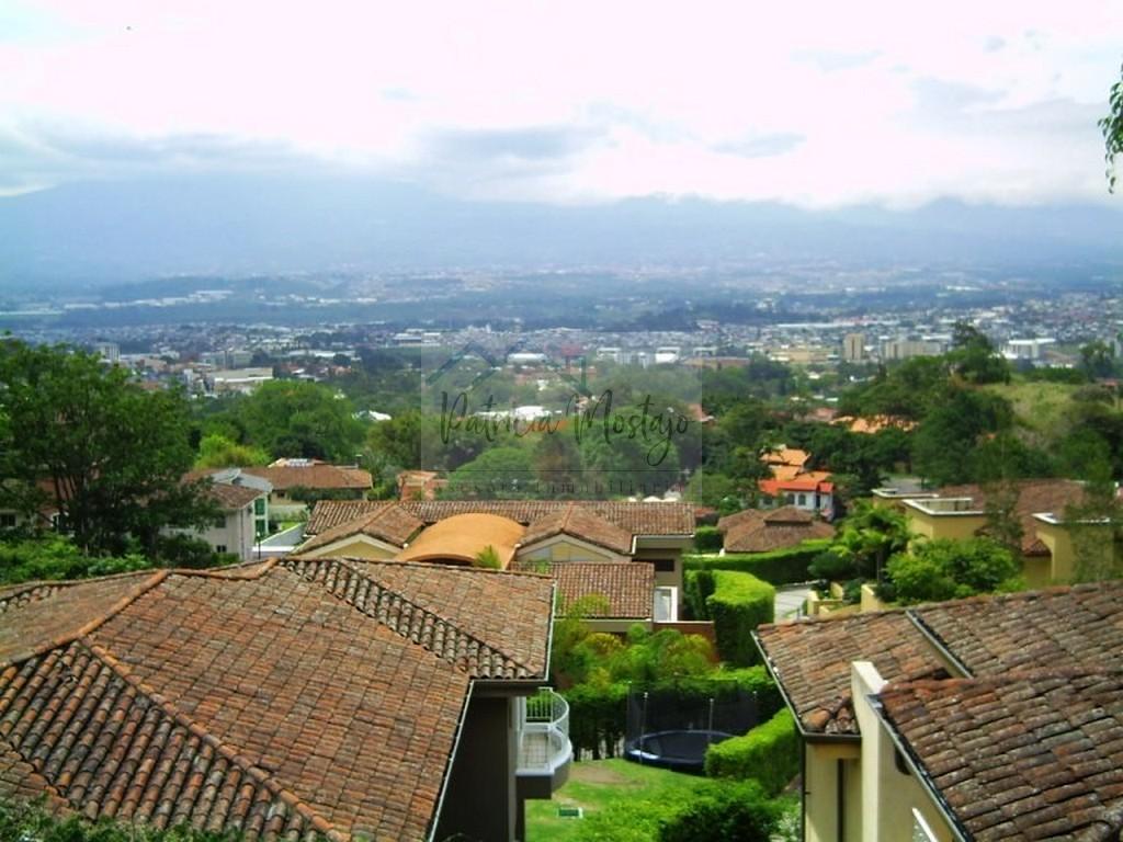 Venta de Apartamento en Escazú cerca a la Paco, hermosas vistas