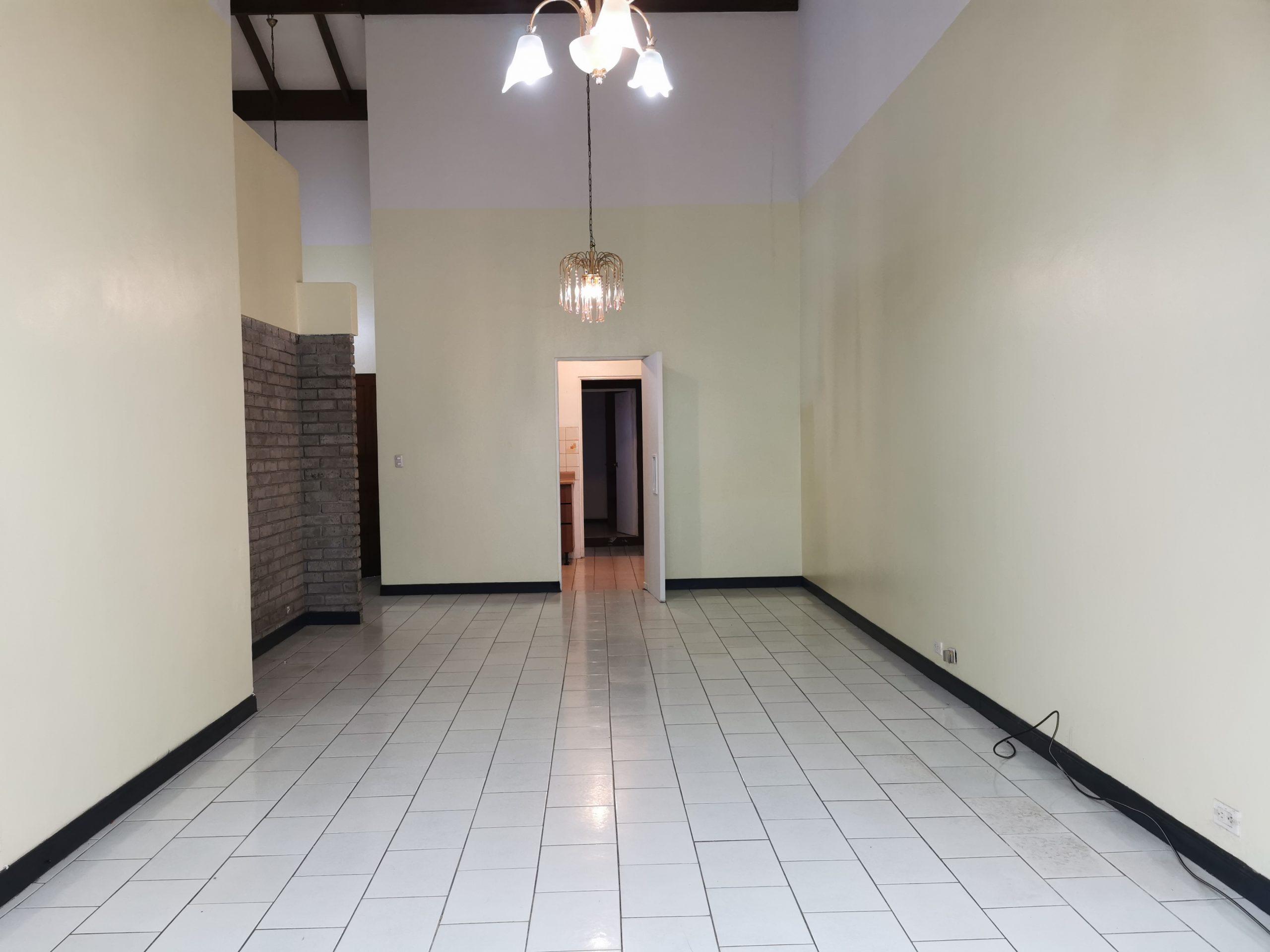 Casa independiente amplia en Freses de Curridabat, 4 habitaciones