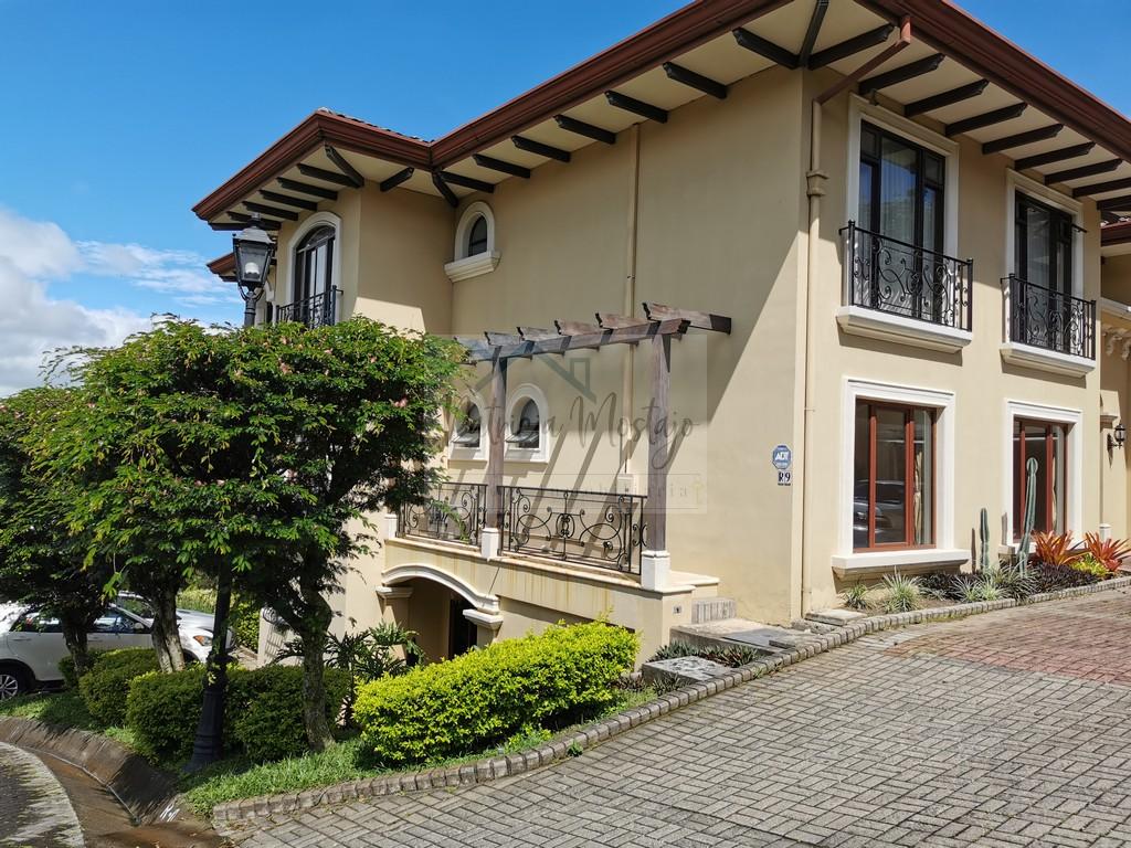 Alquiler Residencial Villa Real, Santa Ana , 4 habitaciones full amenidades