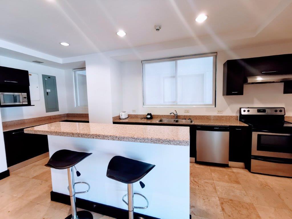 Alquiler lujoso apartamento, vistas espectaculares, zona exclusiva, San Rafael de Escazú