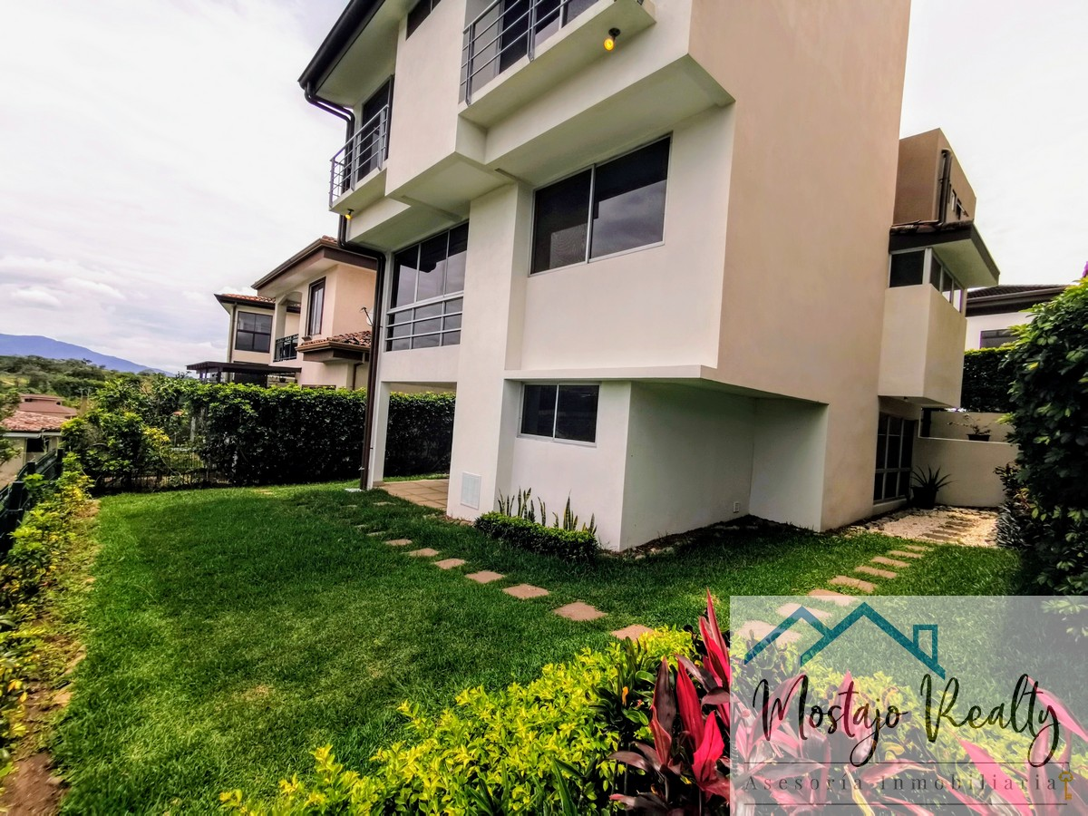 Venta o Alquiler de Casa en Condominio Francosta, Heredia, Costa Rica