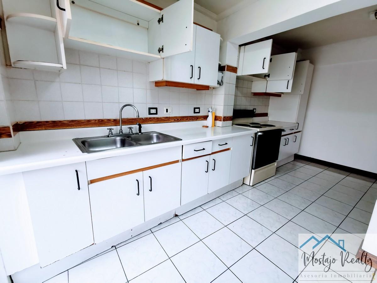 Alquiler de Apartamento amueblado en Condominio Barrio Dent, San Pedro, por la UCR