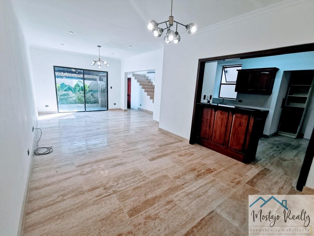 Venta de casa 3 niveles, Condominio Palmetto, Lindora, Santa Ana, Costa Rica
